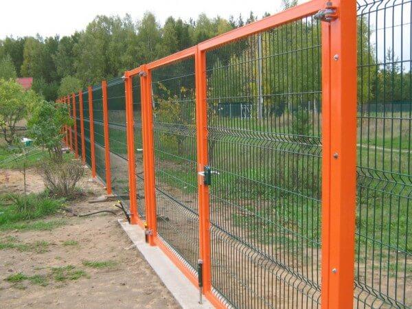 Установка 3д забора из сварной сетки под ключ в Москве